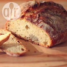 Najprostszy chleb na drożdżach - http://allrecipes.pl/przepis/10429/najprostszy-chleb-na-dro-d-ach.aspx