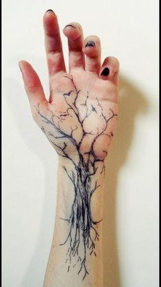 55 Baum Tattoo Designs 55 Tree Tattoo Designs & Künstler The post 55 Baum Tattoo Designs & Tattoo ideen appeared first on Tattoos . Forearm Tattoos, Finger Tattoos, Body Art Tattoos, New Tattoos, Sleeve Tattoos, Tattoos For Guys, Tattoo Forearm, Tattoo Moon, Tatoos
