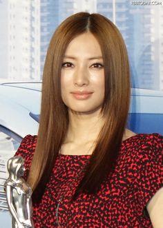 北川景子、くしゃみでギックリ腰に……「お仕事がない日で良かった」