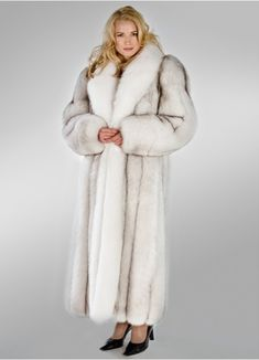 Madison Avenue Mall Natural Blue Fox Fur Coat for Women Real White Fox Collar 52 Fur Fashion, Denim Fashion, Fashion Clothes, Fashion Outfits, Malu Trevejo Outfits, Denim Outfits, Tomboyish Outfits, White Fur Coat, Fur Clothing