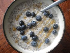 Vegan Recipe Review: Chia Seed Overnight Oats / Update: Green Tips