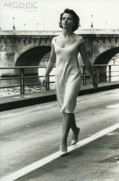 Juliette Binoche by Doisneau. She reminds me of my mama :)