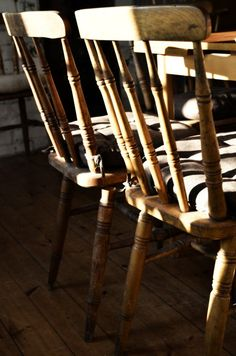 Rustic Chairs | Berså  http://www.pinterest.com/whippets4ever/shades-of-brown/