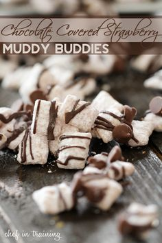 Chocolate Covered Strawberry Muddy Buddies- chef in training Puppy Chow Recipes, Snack Mix Recipes, Fruit Recipes, Baking Recipes, Snack Mixes, Desert Recipes, Chex Recipes, Popcorn Recipes, Cereal Recipes