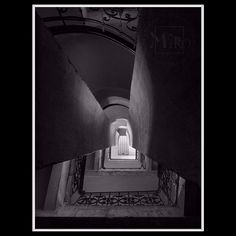 "Miró von Laugaricio na Instagrame: ""#miró_von_laugaricio"" Decorating With Pictures, Album, Stairs, Architecture, City, Design, Arquitetura, Stairway"
