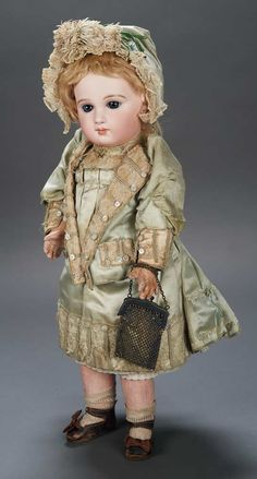 Apples - An Auction of Antique Dolls: 25 French Bisque Bebe with Incised Depose Mark and Couturier Costume by Jumeau and Signed Jumeau Shoes