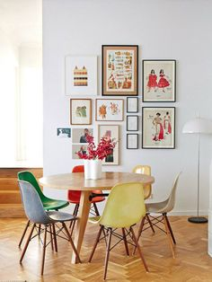 PLASTIC SIDE CHAIR by EAMES (1950)