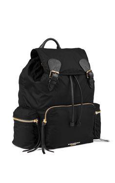 Get inspired and discover Burberry Prorsum trunkshow! Shop the latest Burberry Prorsum collection at Moda Operandi. Burberry Handbags, Hobo Handbags, Prada Handbags, Shoe Boots, Shoe Bag, Shoes, Fashion Essentials, Style Essentials, Burberry Prorsum