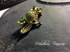 Vintage Rhinestone Owl Brooch - Gold Tone Enamel Owl Vintage Brooch with Green Rhinestone - Bird Brooch, Clips and Pins by MelodiousTreasures on Etsy https://www.etsy.com/au/listing/566117171/vintage-rhinestone-owl-brooch-gold-tone