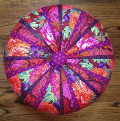 Luscious Tuffet Find pattern and fabric pack to make this at https://www.etsy.com/shop/SewColorfulQuilts