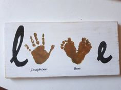 Personalisiertes Schild / Bild der hölzernen handprint Liebe, You are in the right place about diy gifts videos Here we offer you the most beauti Diy Gifts For Christmas, Diy Gifts For Men, Unique Gifts, Handmade Gifts, Wood Transfer, Sign Image, Wooden Picture, Grandpa Gifts, Personalized Signs