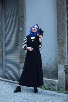 Kreş cepli rahat tulum Street Hijab Fashion, Abaya Fashion, Modest Fashion, Next Fashion, Girl Fashion, Fashion Outfits, Fashion Design, Muslim Women Fashion, Islamic Fashion