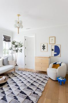 Yes, it is possible to design a chic nursery that doubles as a guest room. Interior designer Courtney Nye shows us how it's done. Minimalist Bed Frame, Minimalist Decor, Minimalist Design, Pedestal Side Table, Chic Nursery, Guest Room Nursery, Guest Rooms, Kids Bedroom