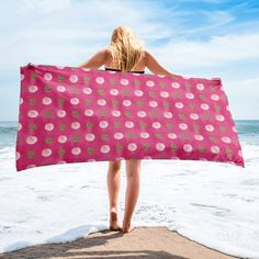 Hawaiian Tropical Hibiscus Red and White Pattern Towel Pink Towels, Beach Toys, Get Fresh, White Patterns, Hibiscus, Hawaiian, Poppies, Beach Mat, Red And White