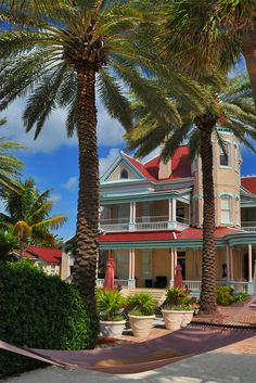 Bask in the tropical atmosphere of the Southernmost House, located on the famed Duval Street in Key West. Key West Florida, Florida Keys, Florida Beaches, South Florida, Beach Houses, Beach Cottages, Key West Duval Street, Travel Around The World, Around The Worlds