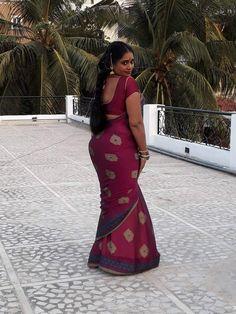 Indian Natural Beauty, Indian Beauty Saree, Beautiful Saree, Beautiful Indian Actress, Beautiful Ladies, Beauty Full Girl, Beauty Women, Saree Poses, Glamour Beauty