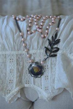 Brocante Rose.. Necklace