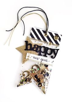 SHAKER BANNER TAG EMBELLISHMENT - MCT – Tag It Tuesday – Clear Shaker Tag « Todo con Papel