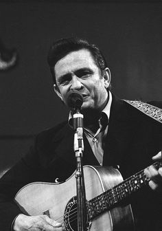 Johnny Cash at San Quentin: Ten newly released photos