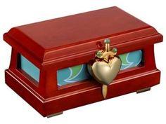 Disney Snow White Heart Box Collectible by EFX eFX Collectibles,http://www.amazon.com/dp/B00AFDZLP6/ref=cm_sw_r_pi_dp_zHtutb0WQG4T9VG6