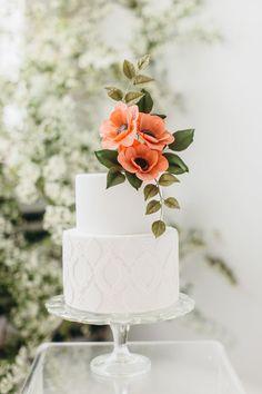 Black Taper Candles + Velvet Linens – Yes, It's THAT Good - weddingcakes Wafer Paper Flowers, Sugar Flowers, Flowers On Cake, Flower Cakes, Square Wedding Cakes, Wedding Cake Designs, One Teir Wedding Cake, Beautiful Wedding Cakes, Beautiful Cakes