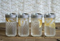 What r these?Mason jar waters?