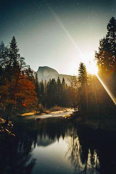 thelavishsociety:  Night in Yosemite by Kesler Ottley | LVSH