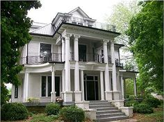 1905 Classical Revival, Pikeville, Tennessee   I remember this house when Miss Eva lived here. . .