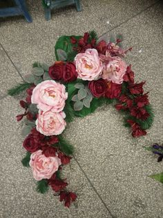 Kwiaciarnia Tęcza Łódź, 2019 Floral Wreath, Wreaths, Home Decor, Floral Crown, Decoration Home, Door Wreaths, Room Decor, Deco Mesh Wreaths, Home Interior Design