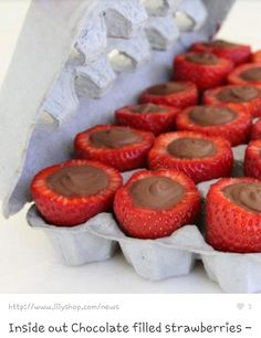 Inside out Chocolate filled strawberries! Amazing recipe and I am trying it out for dinner's dessert. (that is what the last person said and I actually made them for dinner dessert.) They were AMAZING! I suggest using nestle chocolate chips. Yummy Treats, Sweet Treats, Yummy Food, Think Food, Love Food, Chocolate Filled Strawberries, Stuffed Strawberries, Dipped Strawberries, Frozen Strawberries