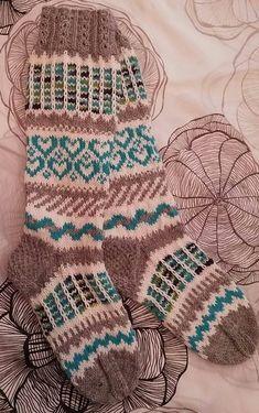 Knitting Wool, Fair Isle Knitting, Knitting Socks, Stocking Pattern, Wool Socks, Yarn Projects, Knitted Shawls, Embroidery Patterns, Knit Crochet