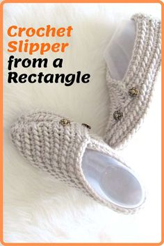 Try this easy crochet slipper free pattern for beginners. This house shoe for a woman is made from a simple rectangle. The crochet tutorial also includes a step by step video. Easy Crochet Slippers, Crochet Slipper Pattern, Crochet Socks, Crochet Gifts, Crochet Clothes, Free Crochet, Knit Crochet, Loom Knit, Easy Crochet Patterns