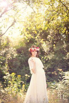 Vintage bride with flower garland