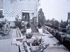 Haus Olbrich Vorgarten um 2