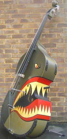 Crazy music instruments! Double bass with teeth.
