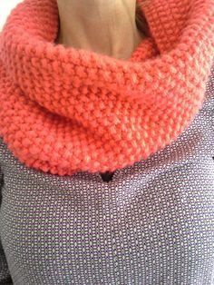 After having realized last winter a snood for my Minimiss (which is the most . Crochet Snood, Diy Crochet, Knitted Hats, Diy Bags Purses, Knit Dishcloth, Crochet Woman, Clothes Crafts, Schneider, Knitting Accessories