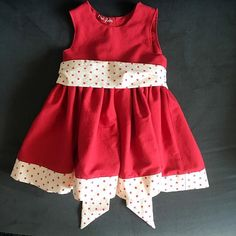 Recto... 👗😉 #couture #sewing #machineacoudre #mac #sewingmachine #fabric #tissu #tototissus #coton #cotton #red #polkadots #rouge #pois #robe #dress #babysewing #couturebebe #thecottagemama #partydress #sitrooncouture