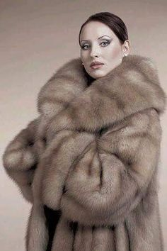 fur fashion directory is a online fur fashion magazine with links and resources related to furs and fashion. furfashionguide is the largest fur fashion directory online, with links to fur fashion shop stores, fur coat market and fur jacket sale. Sable Fur Coat, Mink Fur, Fantastic Fox, Fabulous Furs, White Fur, Fur Fashion, Fox Fur, Fur Jacket, Style Guides