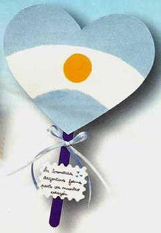 Manualidades bonitas para el Día de la Independencia: Frases para el Bicentenario de la Independencia Hispanic Heritage Month, National Holidays, Deco, Ideas Para, Activities For Kids, Origami, Diy And Crafts, Lily, Gifts