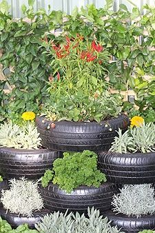 tire gardening ideas pictures | Visit followpics.net