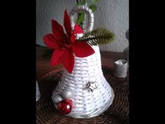 Weihnachtsglocke handmade by Rosi Christ Paper Weaving, Weaving Art, Sun Paper, Paper Art, Chrismas Cards, Diy And Crafts, Arts And Crafts, Paper Bag Crafts, Paper Basket
