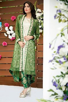 Zainab Hassan Formal Wear dresses are modern fancy traditional outfits that are suited for summer end season check every design from the image gallery. Dress Indian Style, Indian Fashion Dresses, Indian Designer Outfits, Indian Outfits, Designer Dresses, Pakistani Dress Design, Pakistani Dresses, Frocks And Gowns, Shrug For Dresses