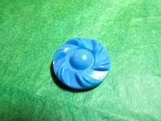 """1 - 1 &1/16"""" SWIRL EDGE DOME COLT BLUE PLASTIC SHANK BUTTON - VINTAGE Lot#NL333"""
