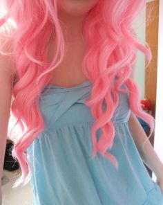 cotton candy hair <3 I need this color on my head. Now.