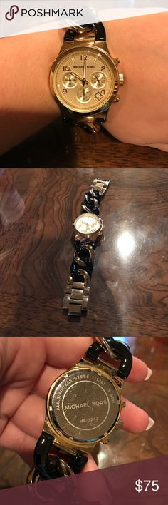 Michael Kors MK-3242 Gold and black stainless steel chain bracelet, gold dial, used with some scratches and signs of wear Michael Kors Accessories Watches