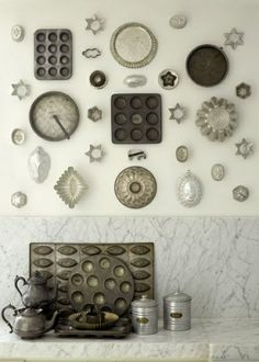 molds & muffin tins display