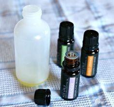 Homemade No.2 Poo Spray | Make your own Poo Potpourri toilet spray to hide embarrassing smells. Just spritz into the toilet before going and no embarrassing odors. The Free Printable labels is yours too! See step by step instructions on TodaysCreativeLife.com Homemade Cleaning Supplies, Cleaning Recipes, Cleaning Hacks, Cleaning Products, Essential Oils For Add, Doterra Essential Oils, Homemade Potpourri, Potpourri Recipes, Poop Spray