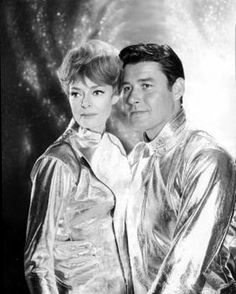From the Lost In Space archives Guy Williams Actor, June Lockhart, Space Tv Shows, Space Hero, Irwin Allen, Mix Photo, Lost In Space, Classic Tv, Back In The Day