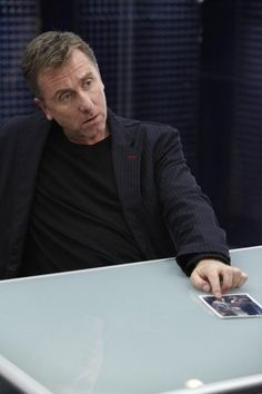Tim Roth as Dr Cal Lightman