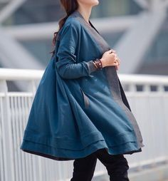 Dense fabric with knitted jersey fabric, has a certain thickness, but also a lot of weight, has continued in the end from the edge of the collar fabric stitching thread, bi... #coat #windbreaker #soft #comfortable #casual #loose #autumn #spring